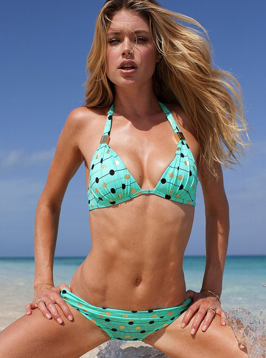 Doutzen Kroes - Victoria Secret Bikini (5)