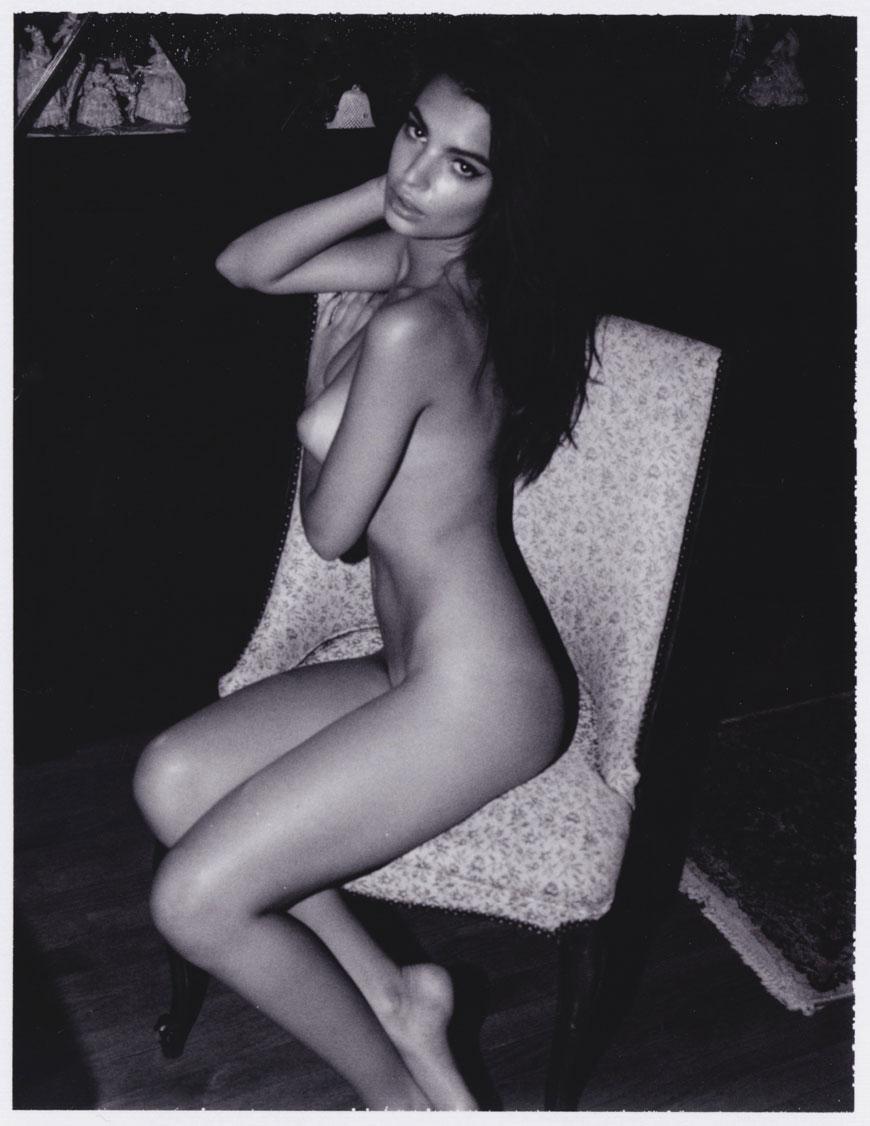 Emily Ratajkowski topless fotoshoot (11)