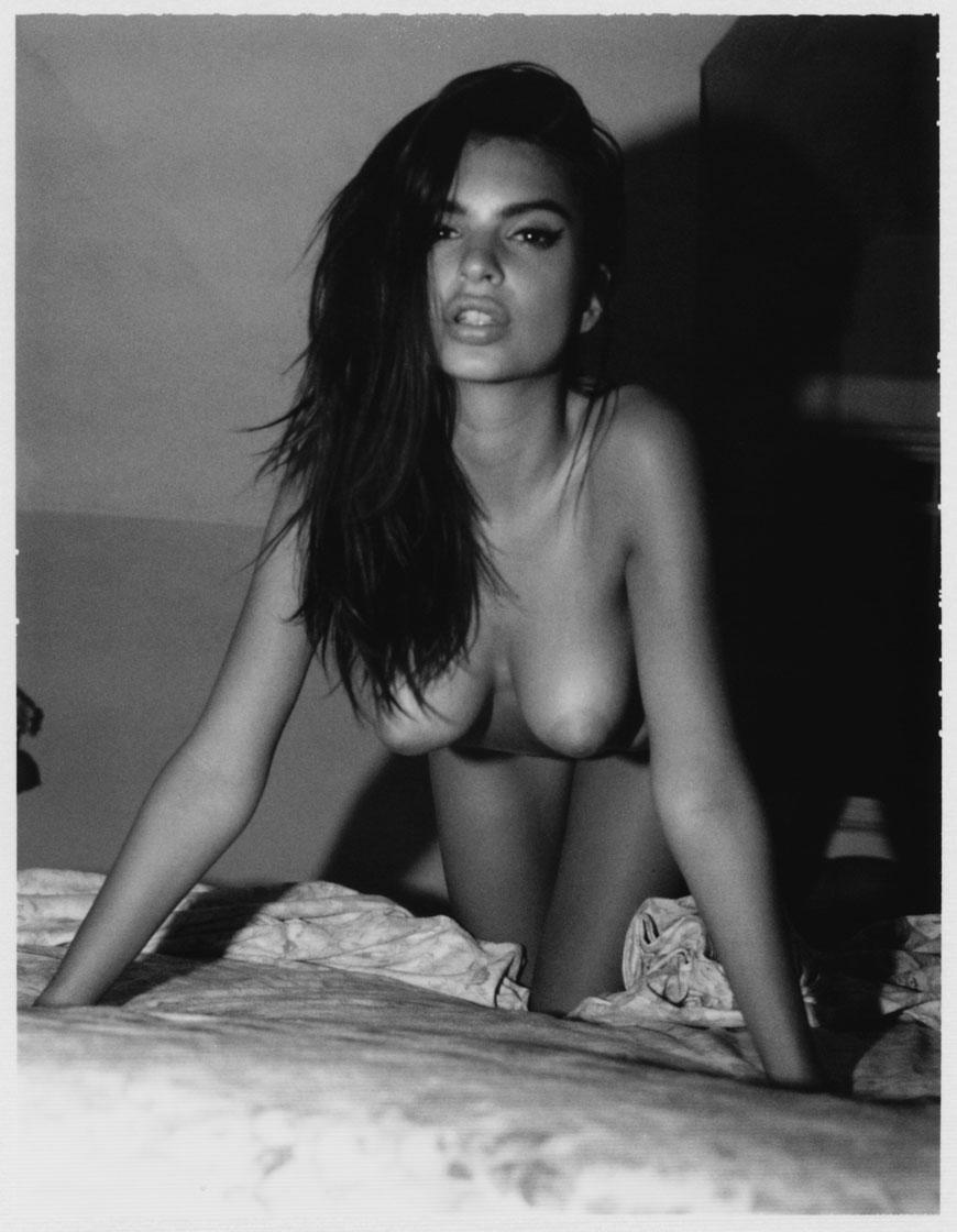Emily Ratajkowski topless fotoshoot (20)