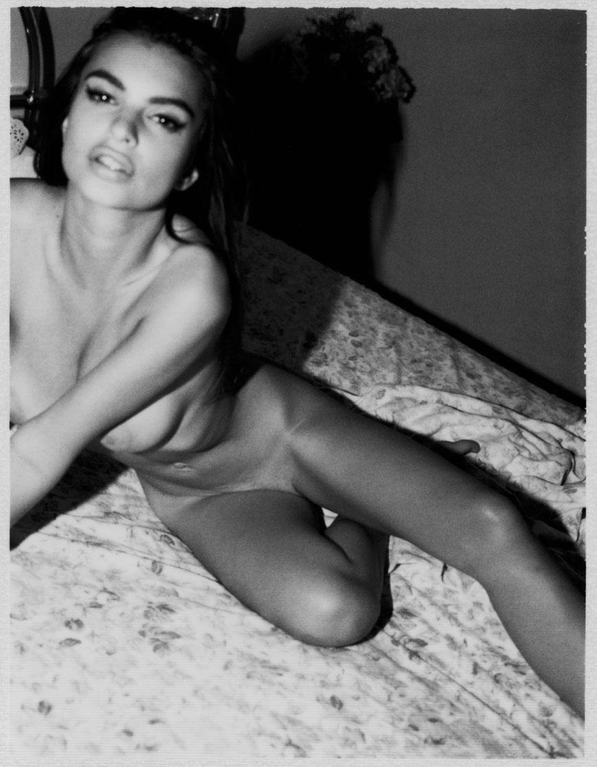 Emily Ratajkowski topless fotoshoot (19)