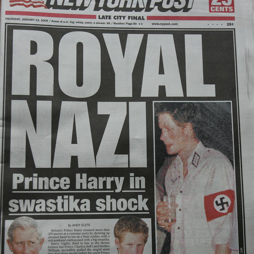 Prins Harry als Nazi tijdens Halloween